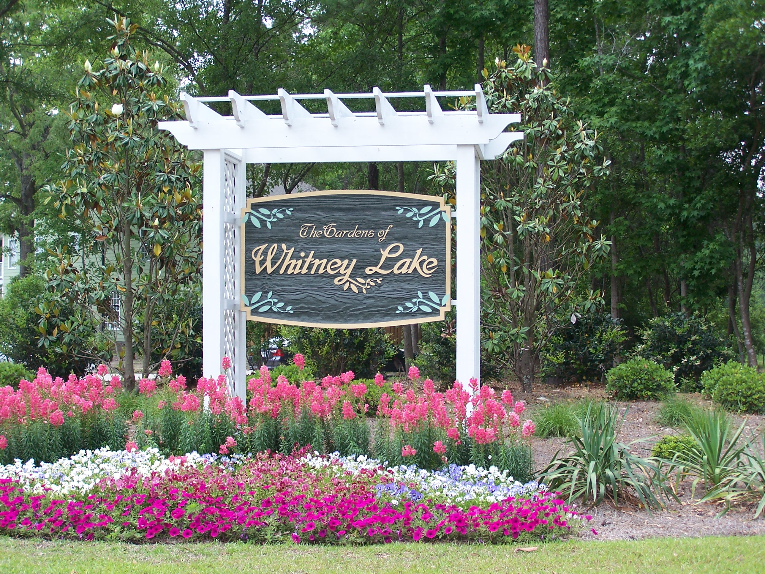 Entrance to Whitney Lake