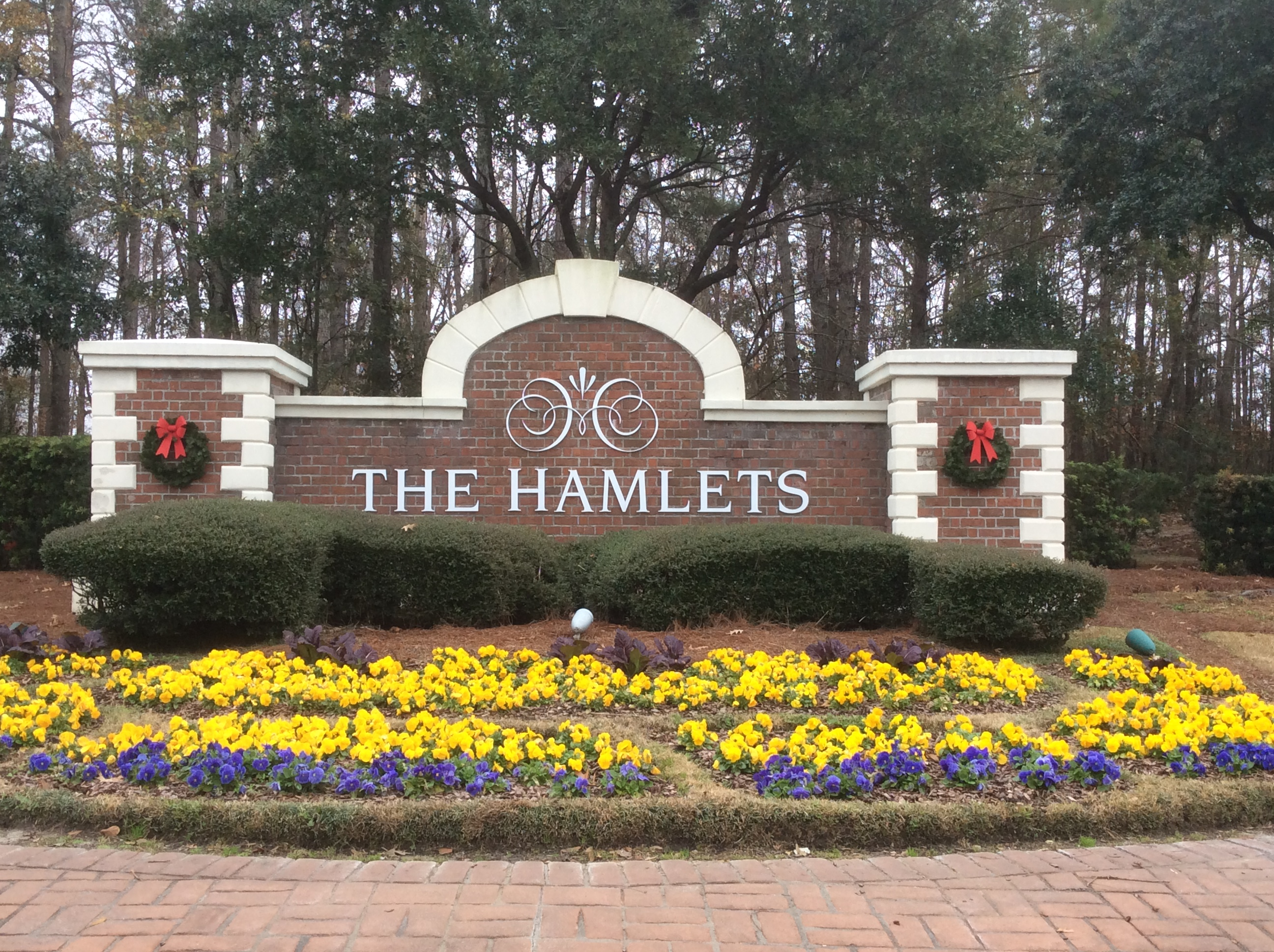Entrance to The Hamlets